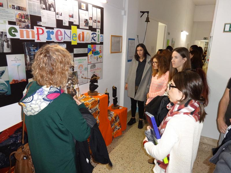 Exposició a l'Escola ETP Xavier de Barcelona.
